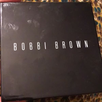Video of BOBBI BROWN Shimmer Brick Compact uploaded by hermis b.