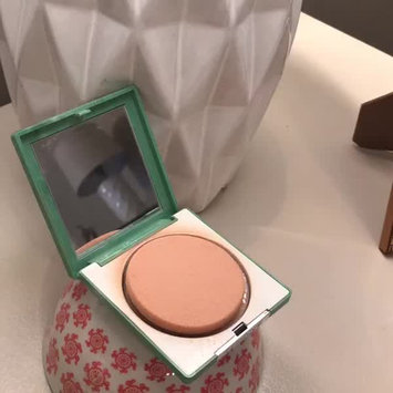 Video of Clinique Stay-Matte Sheer Pressed Powder uploaded by Mimi F.