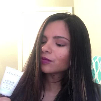 Video of Cover FX Mattifying Primer With Anti-Acne Treatment uploaded by Johanna T.