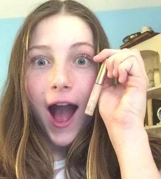 Video of Estée Lauder Double Wear Stay-in-Place Flawless Wear Concealer uploaded by anna :.