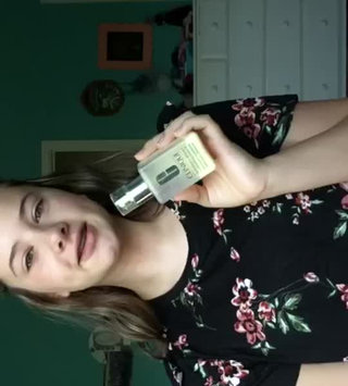 Video of Clinique Dramatically Different Moisturizing Lotion+™ uploaded by Isabella N.