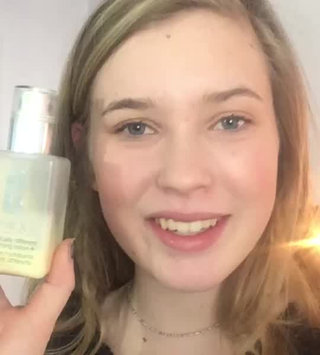 Video of Clinique Dramatically Different Moisturizing Lotion+™ uploaded by Sydney S.