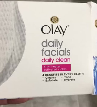 Video of Olay Daily Facials Daily Clean 4-in-1 Water Activated Cleansing Cloths uploaded by Jewels G.