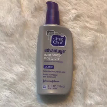 Video of Clean & Clear Advantage Acne Control Moisturizer uploaded by Dayana N.