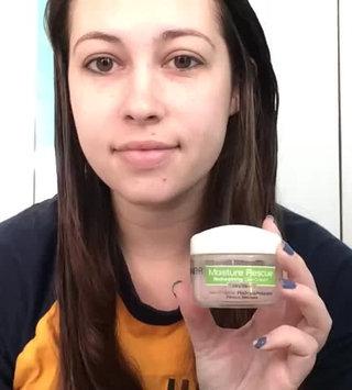 Video of Garnier Skinactive Moisture Rescue Refreshing Gel Cream For Dry Skin uploaded by Cheyenne C.