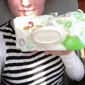 Video of Huggies® Natural Baby Care Wipes uploaded by Lavayeda K.