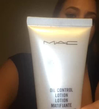 Video of MAC Cosmetics Oil Control Lotion - 50ml/1.7oz uploaded by Marivi S.