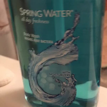 Video of Dial Spring Water Antibacterial Body Wash uploaded by Ꮶօʀɨɛ Ꮶ.