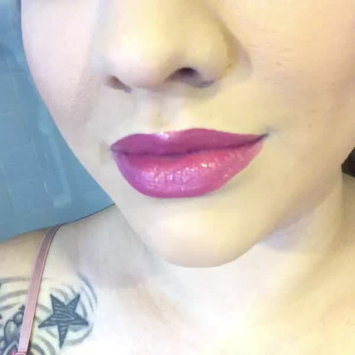 Video of NYX Extra Creamy Round Lipstick uploaded by CinDy G.