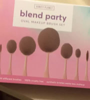 Vanity Planet Blend Party Oval Makeup Brush Set - Black uploaded by Lana S.