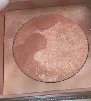 Video of Urban Decay Naked Illuminated Shimmering Powder for Face and Body uploaded by Ebony W.