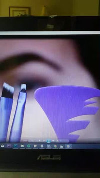 Video of Real Techniques Eye Detail + Define Cosmetic Brush Set 2ct uploaded by Jaclyn P.