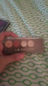 Video of L.A. Colors 5 Color Metallic Eyeshadow uploaded by Tania B.