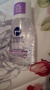 Video of NIVEA 3-in-1 Micellar Cleansing Water uploaded by Charlotte Louise E.