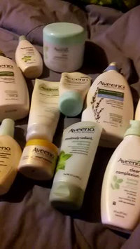Video of Aveeno® Daily Moisturizing Body Wash uploaded by Connie P.