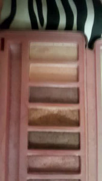 Video of Urban Decay Naked3 Eyeshadow Palette uploaded by Danerys♋ D.