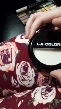 Video of L.A. Colors Pressed Powder uploaded by Shannona J.