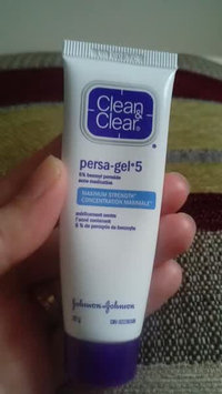 Video of Johnson & Johnson Clean and Clear Persa-Gel uploaded by Samaneh N.