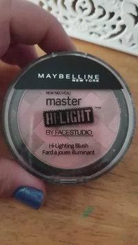 Video of Maybelline Face Studio Master Hi-light Blush uploaded by Melissa Z.